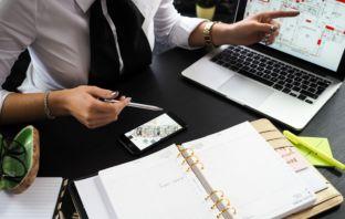 Como montar um negócio na internet com pouco dinheiro por mês?